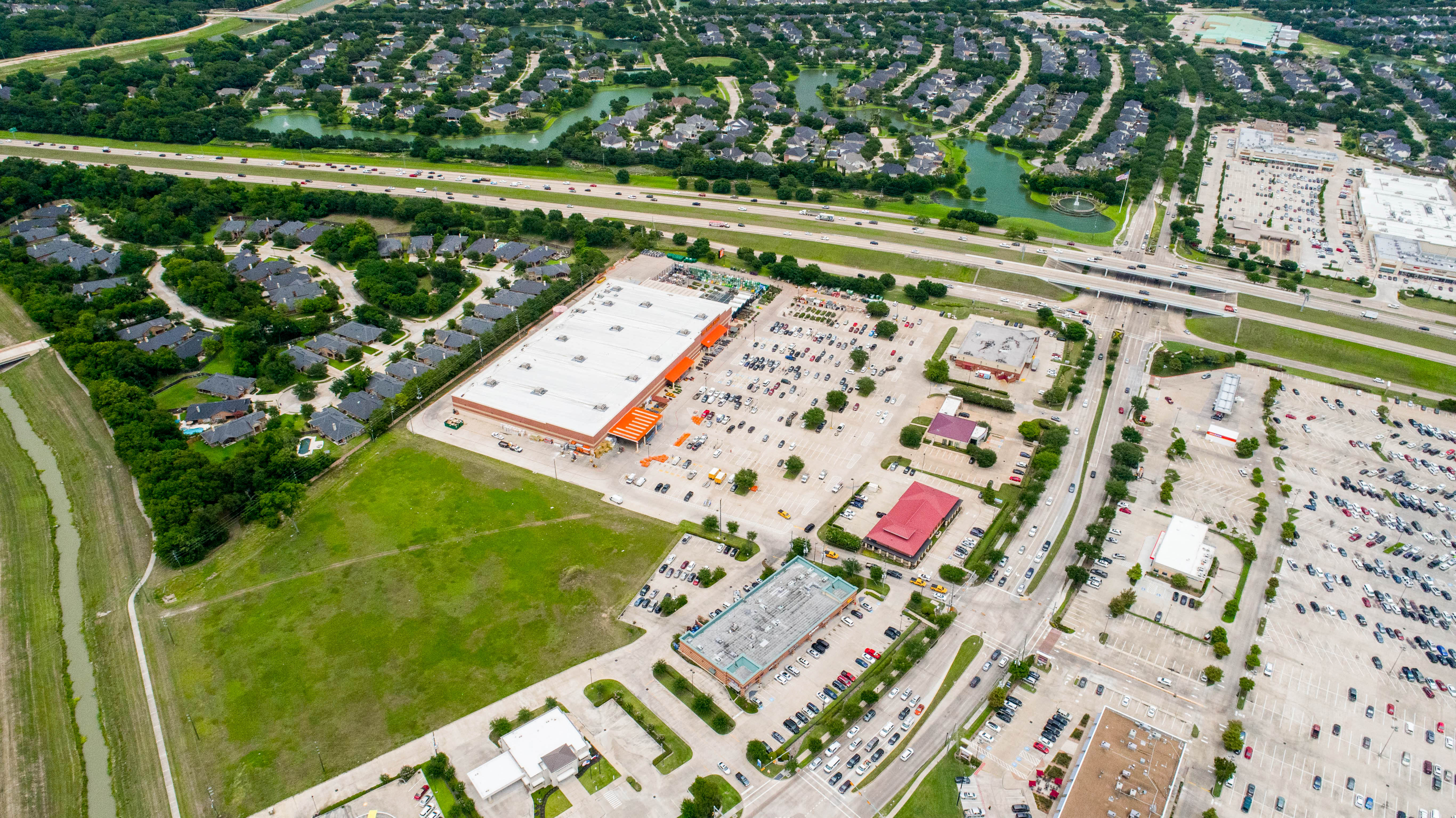 Grand Parkway Shopping Center